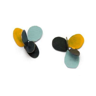 violet stud earrings yellow, lightblue