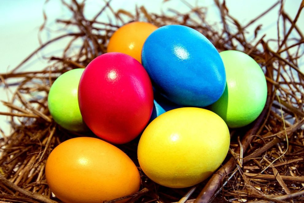 89.5 KVNE East Texas Christian Radio Coloring Easter Eggs Heard On Air Blog Featured Image