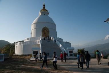 World Peace Pagoda/Shanti Stupa, stupa buddyjska, z której rozpościera się widok na masyw Annapurny