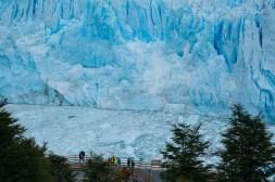 Z takich dobrze przygotowanych tarasów można podziwiać lodowiec godzinami