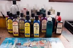 Tusze i pigmenty znanej marki w pracowni artysty