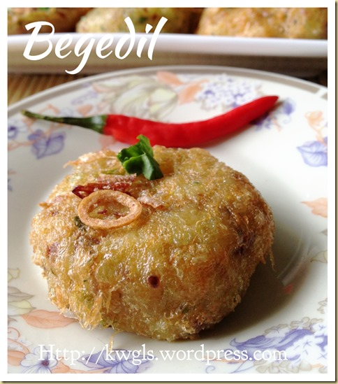 Deep Frying Your Potato Patties ?–Begedil (炸马铃薯饼)