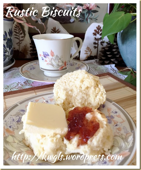 """""""No forks, No rolling pin, No biscuit cutters but just two well practised hands?"""" American Style Biscuits (美国饼干)"""