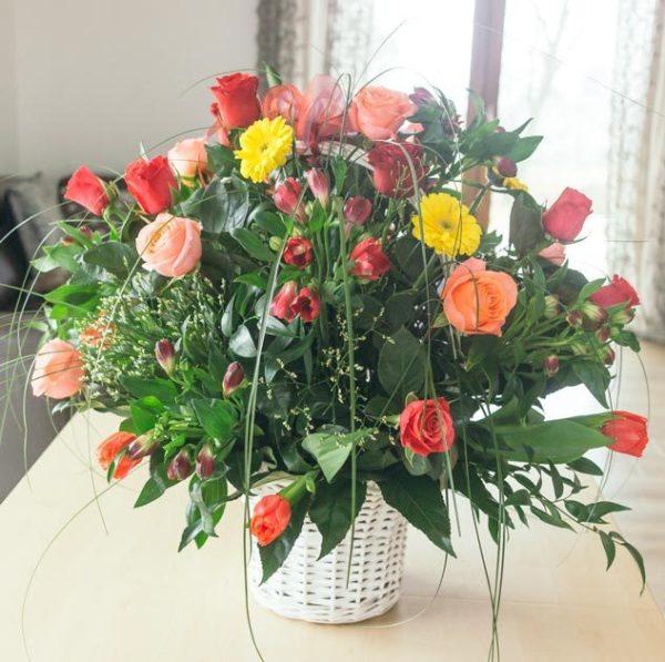 kosz kwiatow
