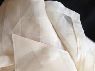 niesamowita jakość wykończenia jedwabnej koszuli