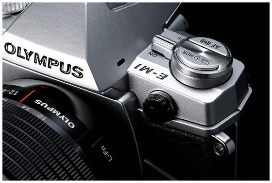 Olympus M.ZUIKO DIGITAL ED 40-150mm f/2.8 PRO lens and silver OM-D E-M1 camera announced