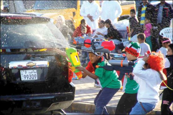 Court order compels Cabinet to ban water gun celebrations