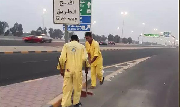 Kuwait Cleaning workers timings changed as temperature soars