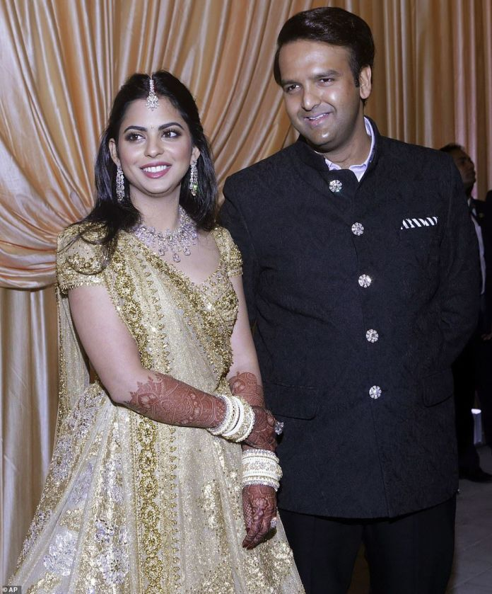 Sneek-Peek into Isha Ambani And Anand Piramal's Splendour Residency In Mumbai