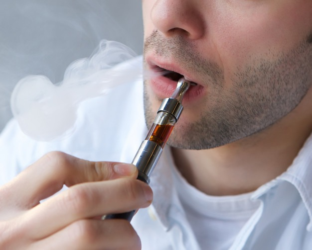 Indian bans e-cigarettes; Health Risk to Indian Youth, Says Govt