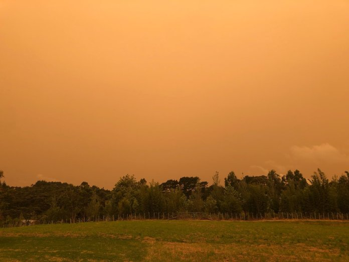 New Zealand Atmosphere is Coloured Orange Due to Extreme Forest Fires in Australia
