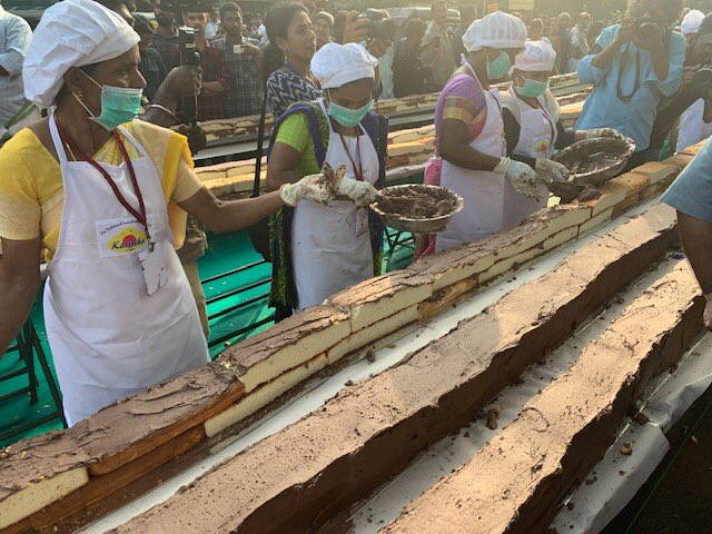 Kerala pastry chefs made the longest cake in world, it is about 6 km tall