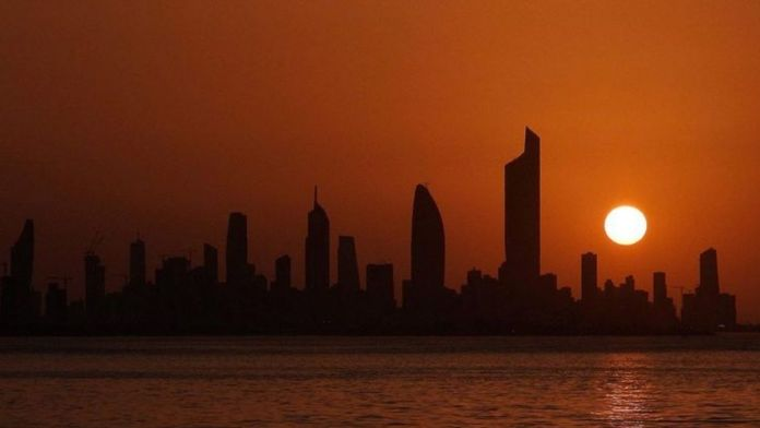 Kuwait: French nationals advised to be vigilant after attacks