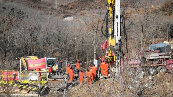 China - Miners rescued after 2 weeks of being trapped