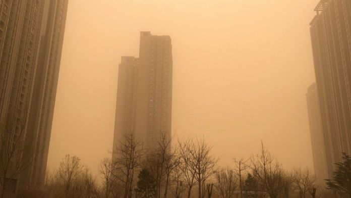 Beijing hit by the biggest sandstorm in almost a decade