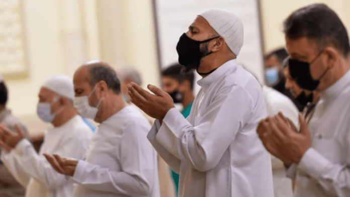 Kuwait restricts Ramadan night prayer in mosques