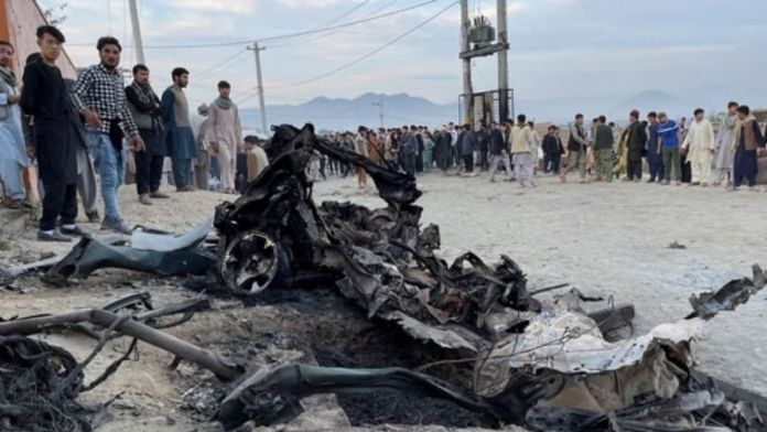 Afghanistan - Powerful explosions outside a high school kill at least 50 people