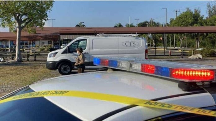 US : 2 including a child killed in a shooting at a Florida grocery store