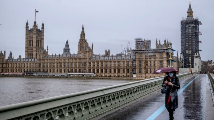 UK government considering options for a planned end to lockdown