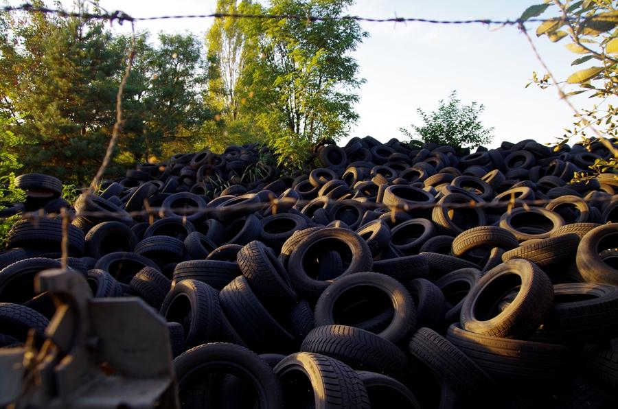Park przemysłowy - wysypisko opon