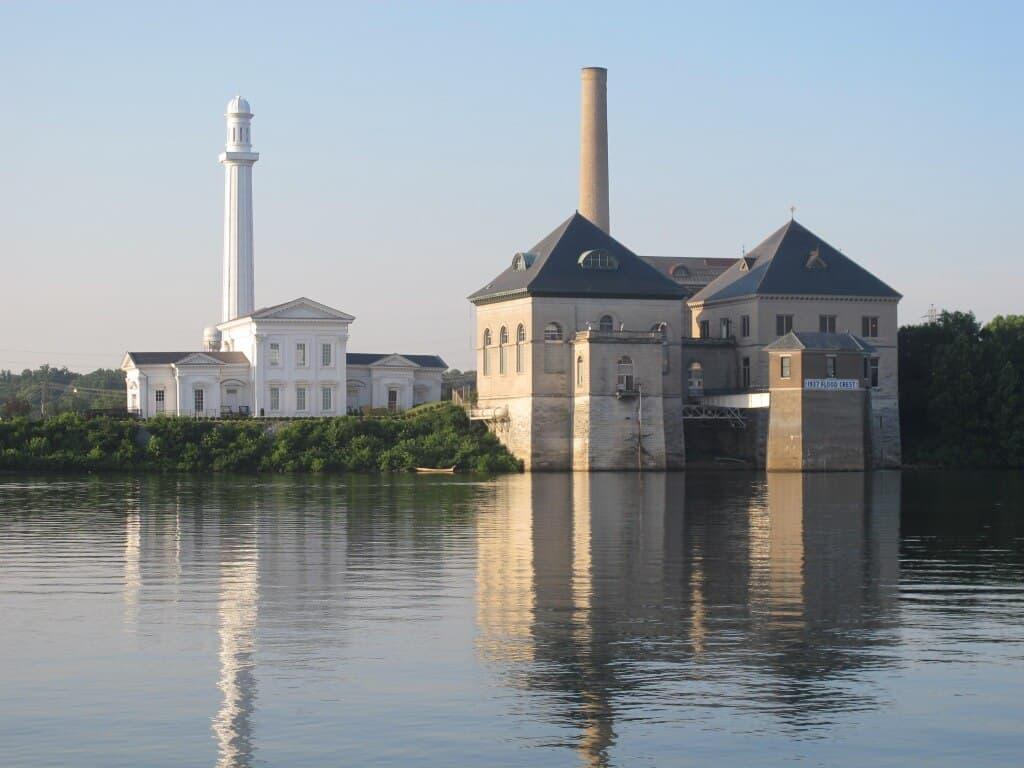 Louisvillewatertower1 - Mocktober: Shred On The Water