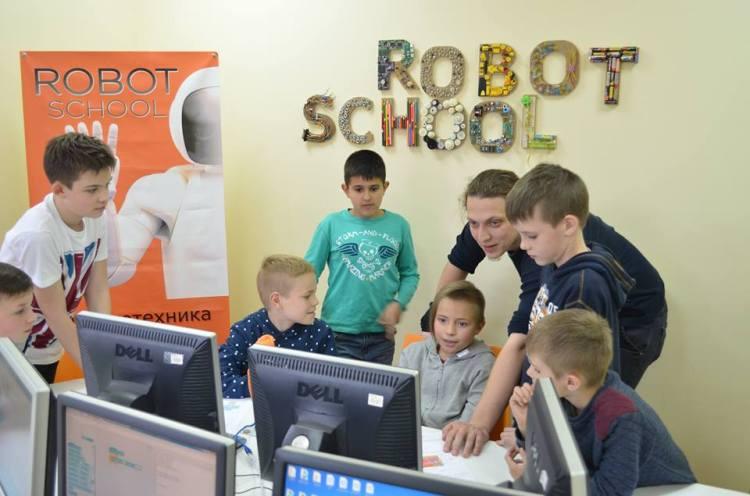 Robot School - дитяча школа робототе�<br/>ніки