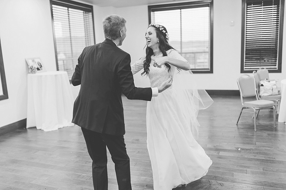 Kylee Ann Photography by Rachel Brick Canvas Wedding Reception18