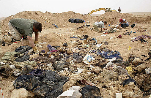 A mass grave of Kurds found in Muthanna Province in 2005.