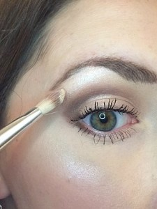 Highlighting 101: A Practical Guide to Highlighting Your Face