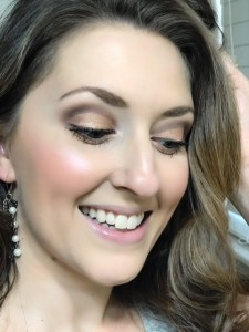 Create a soft glam date night makeup look using only drugstore makeup products! The look takes natural up a notch but is not overkill! BeYu Cosmetics is the focus here in neutral colors on the lids, a soft coral cheek, a nude lip and a pretty highlight!