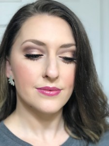 Flirty Everyday Makeup with rosegold lipcolor, false lashes and brown shimmer shadow