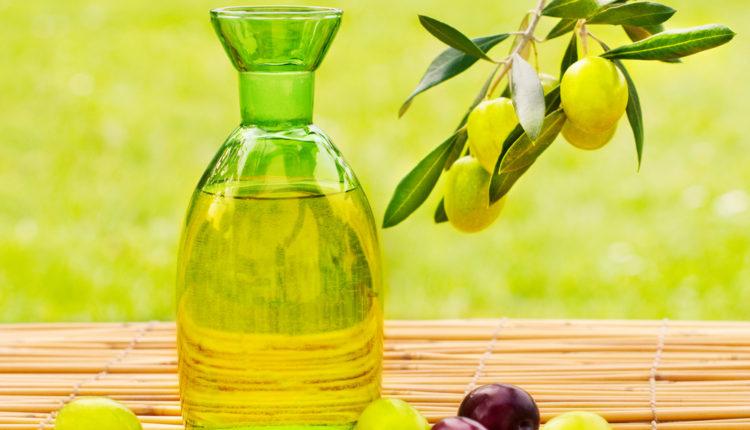 Tẩy tế bào da chết bằng muối tinh và dầu oliu