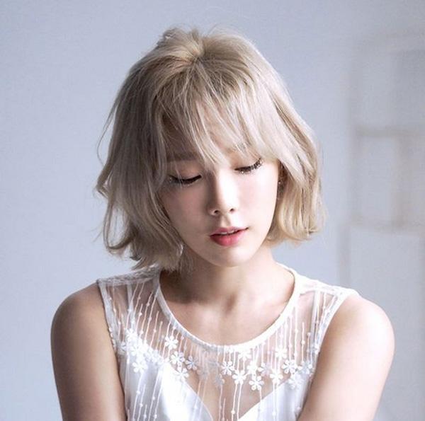 Tóc bạch kim là màu tóc đang được các sao Hàn lăng xê