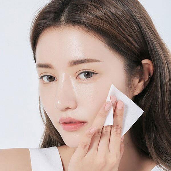 Tẩy trang giúp tăng hiệu quả của kem chống nắng