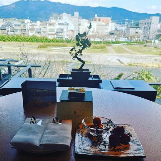 【東山と鴨川という古都の魅力を味わえる上質でラグジュアリーな空間を体験】THE RITZ-CARLTON 京都