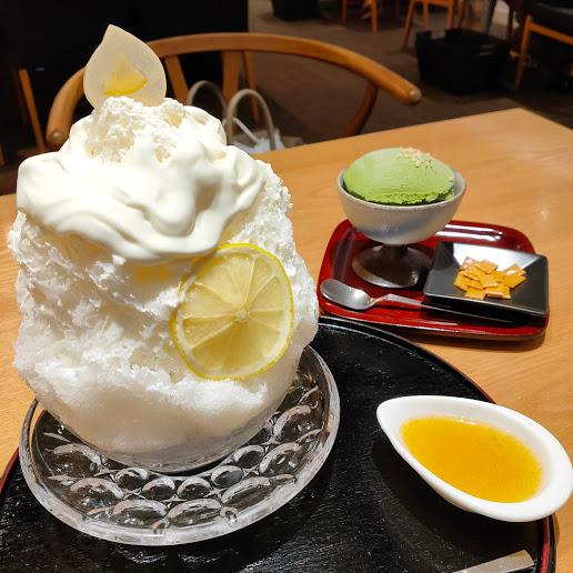 【京都四条河原町にある京都の佃煮と和菓子の老舗店】永楽屋 本店