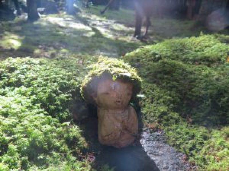 京都大原三千院庭園お地蔵さん