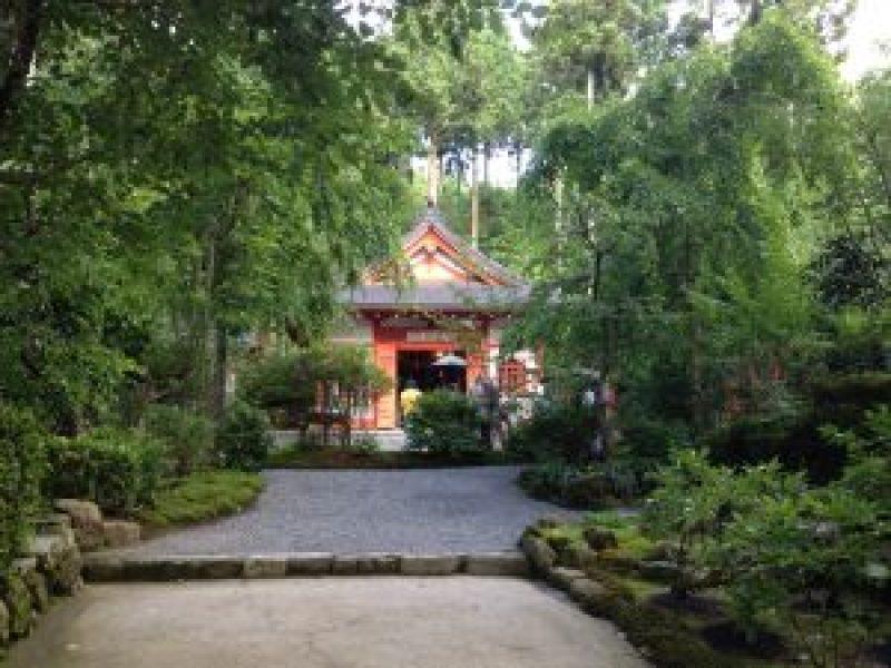 京都大原三千院庭園弁天