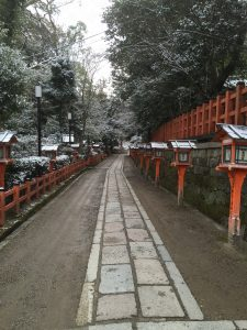 Snows in Yasaka shrine