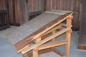 清水寺の桧皮葺の屋根