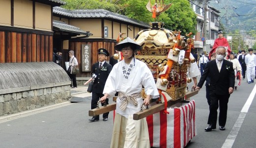 🐎 京都・熊野神社《熊野少年勤王隊》鼓笛隊が先導する『神幸祭』の行列 4月29日 KYOTO