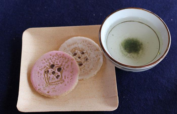 14.お茶とお菓子