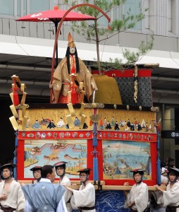 京都「祇園祭」前祭・山鉾巡行・占出山