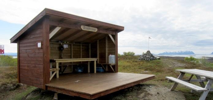 """Gapahuken """"Horisonten"""" på Brasøy"""