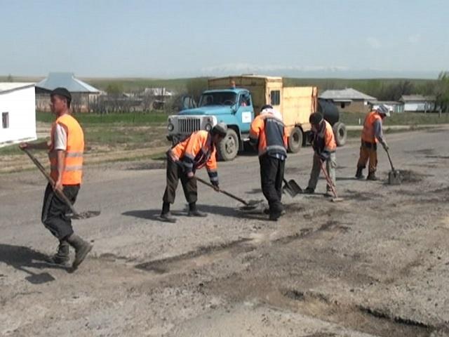 Шымкент-Сарыағаш бағытындағы облыстық жолда жөндеу жұмыстары басталып кетті