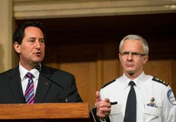 Le maire Michael Applebaum et le chef de police Marc Parent. (Photo: Graham Hughes, PC)
