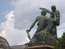 10.Detail statue Moscou.JPG