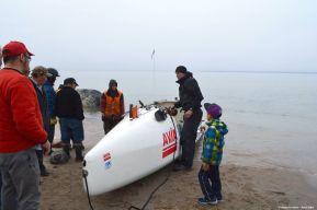 Charles Hedrich_arrivée à Pond Inlet_1er passage du Nord-Ouest en solo 1.jpg