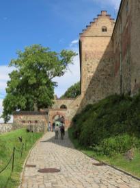 Citadelle chemin du château.jpg