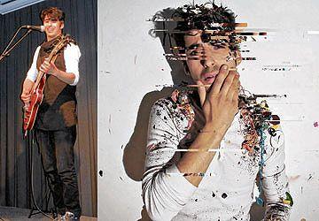 Mehdi Hamdad sur la scène du Centre culturel canadien à Paris la semaine dernière. À d.: Aube, son nouveau CD.